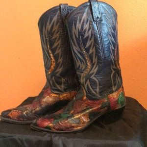 Authentic one of a kind # 9496 Dan Post Boots